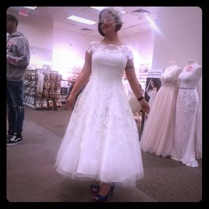 Wedding dress, size 8 Ivory